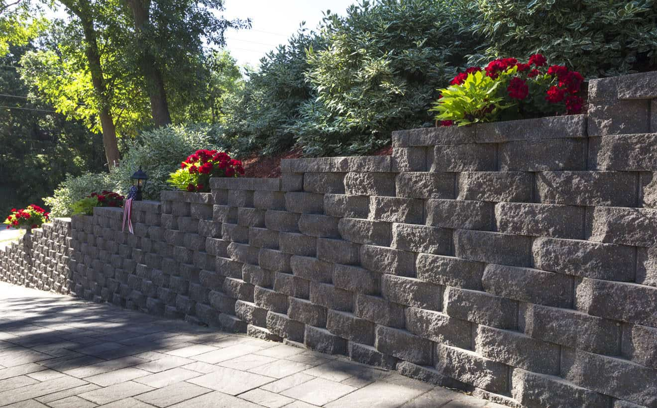 retaining wall made with Rochester Concrete Products