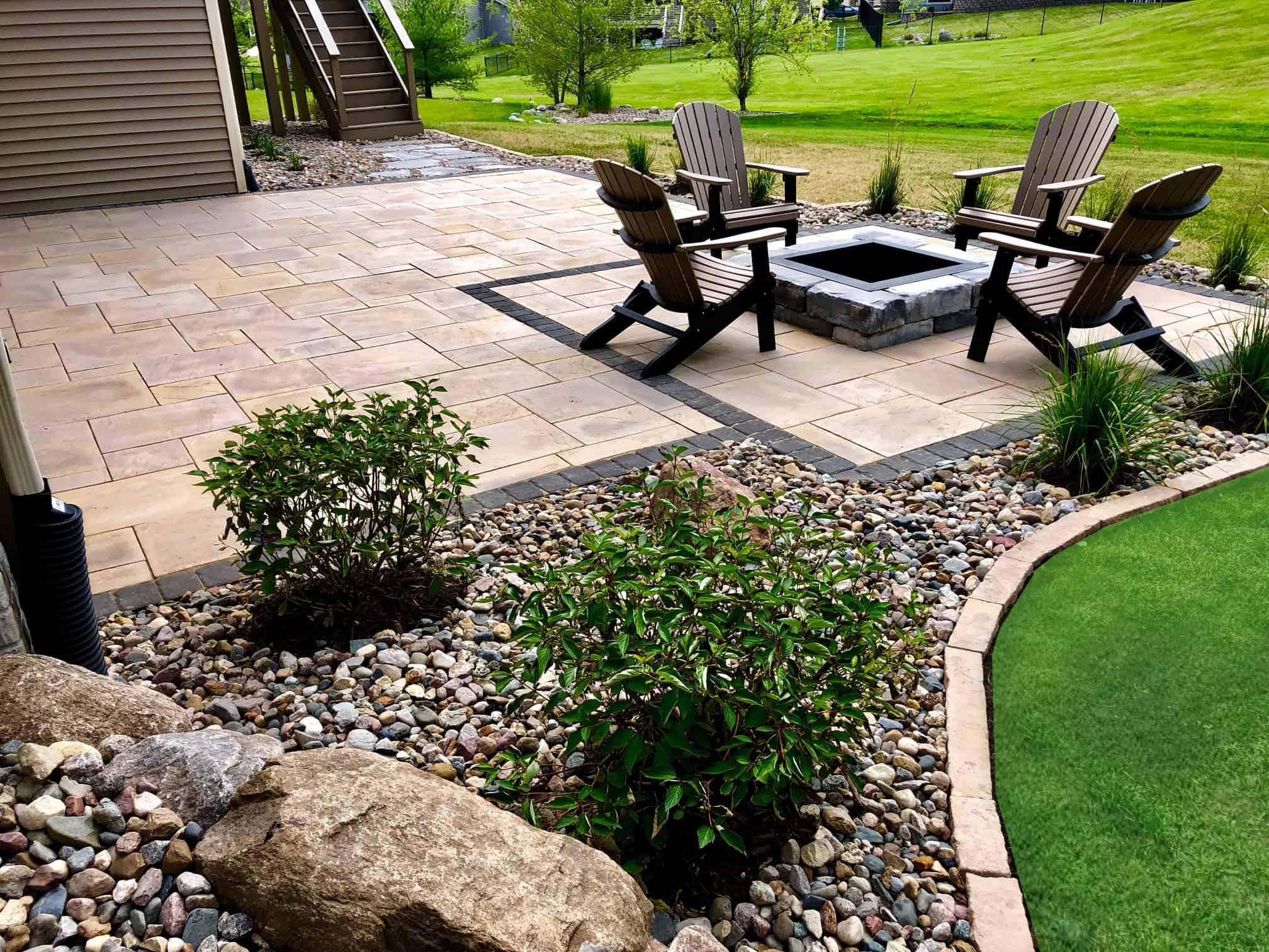 Rosette Dimensional Flagstone patio pavers