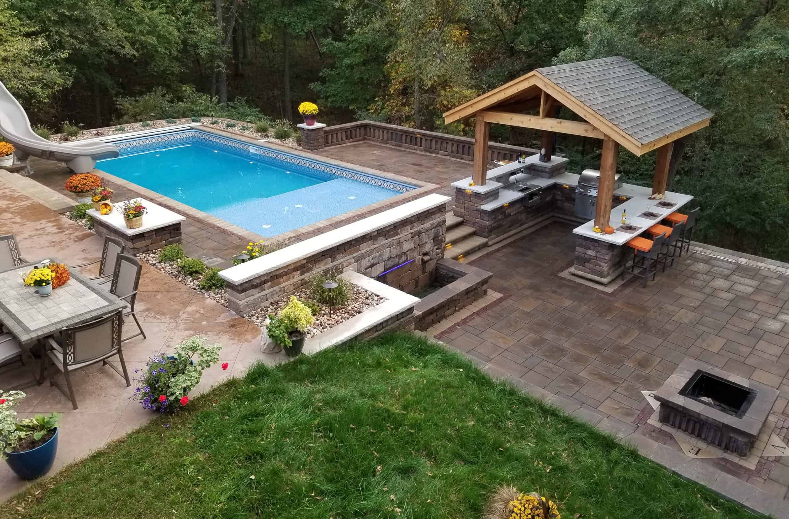 Outdoor Bar and Pool